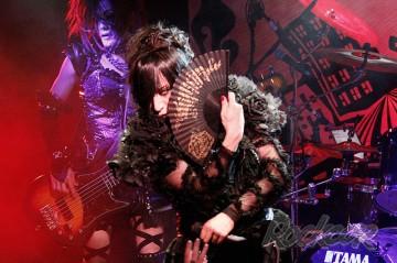 Фотографии с концерта D (Visual Kei, Japan)