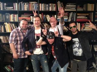 Сюрр-рок группа Unit  -  видеоклип к дебютному альбому