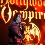 Супергруппа The Hollywood Vampires: Джонни Депп, Элис Купер и Джо Перри